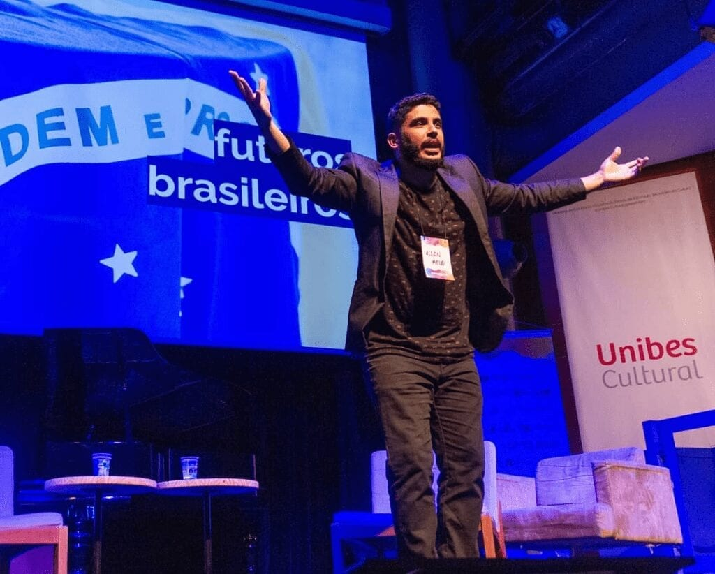 Allan Melo closing out EBAC's Exponential Conference -- an event focused on futurism, innovation and entrepreneurship in Brazil.