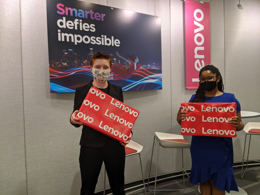 Lenovo Scholar Network members with prizes for their award-winning health education app